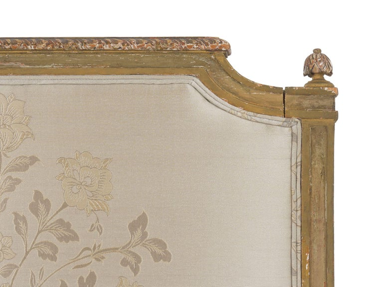French Louis XVI Style Gray Painted Antique Daybed Sofa, circa 1880 For Sale 5