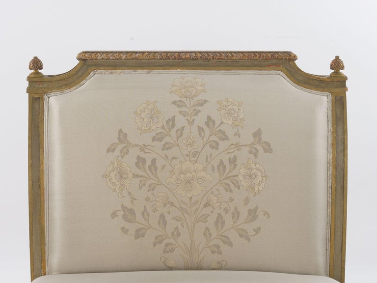 French Louis XVI Style Gray Painted Antique Daybed Sofa, circa 1880 For Sale 6