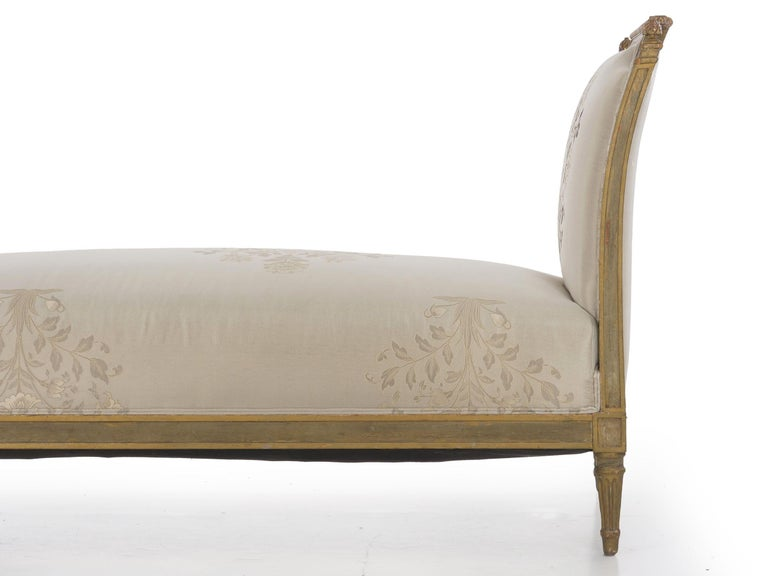 French Louis XVI Style Gray Painted Antique Daybed Sofa, circa 1880 For Sale 9