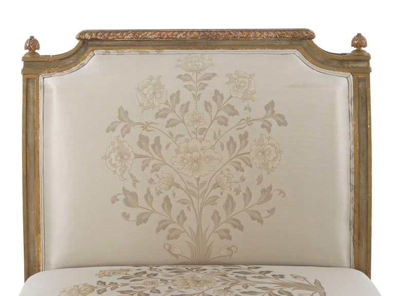 French Louis XVI Style Gray Painted Antique Daybed Sofa, circa 1880 For Sale 11