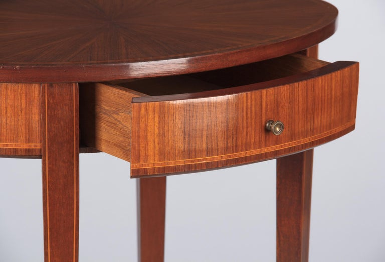 French Louis XVI Style Mahogany Side Table, Early 1900s In Good Condition For Sale In Austin, TX