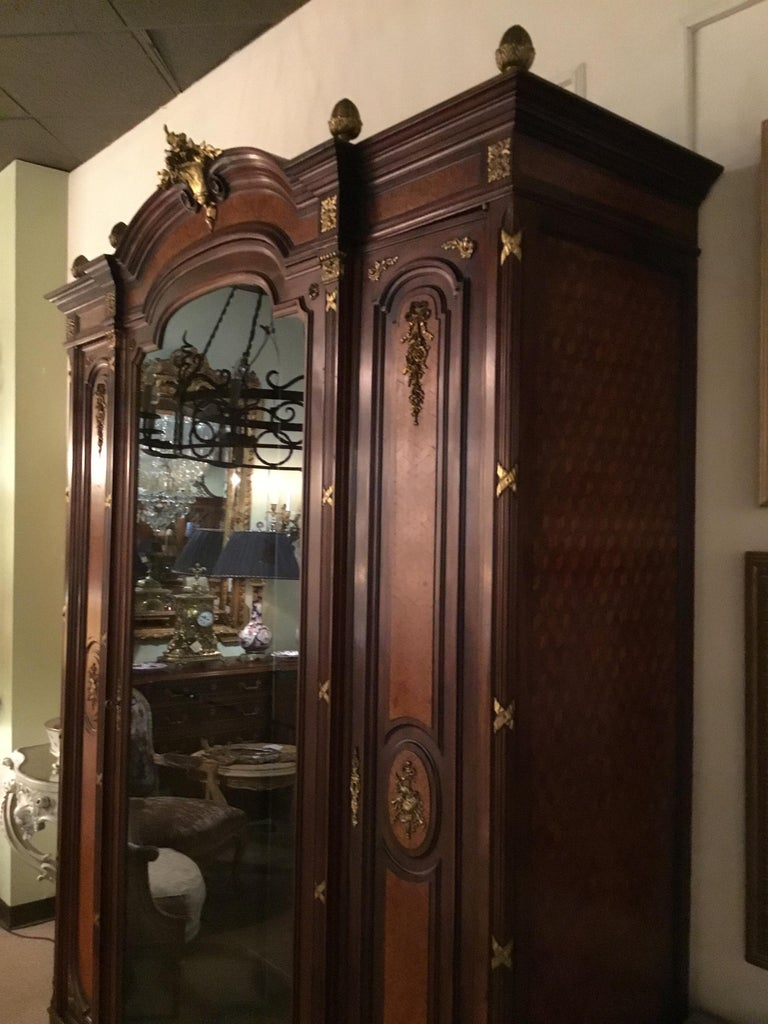 Walnut French Louis XVI-Style Vitrine/Display Cabinet, Marquetry Inlay, 3 Door For Sale