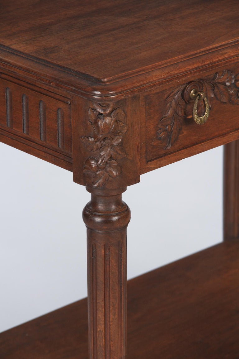20th Century French Louis XVI Style Walnut Side Table, Early 1900s For Sale