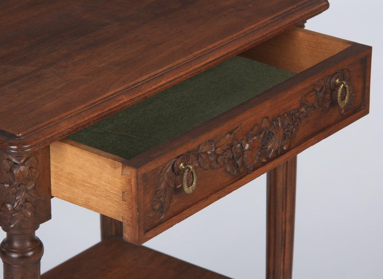French Louis XVI Style Walnut Side Table, Early 1900s For Sale 4
