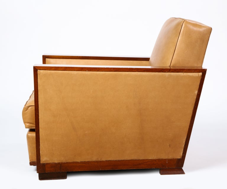 French Mahogany Club Chair with Leather Upholstery, Attributed to Dominique In Good Condition For Sale In New York, NY