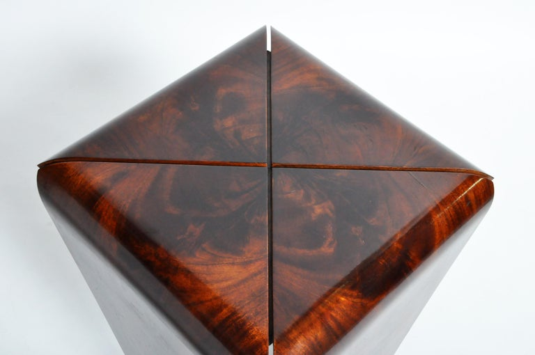 French Mahogany Veneer Side Table in the Style of Jorge Zalszupin For Sale 8