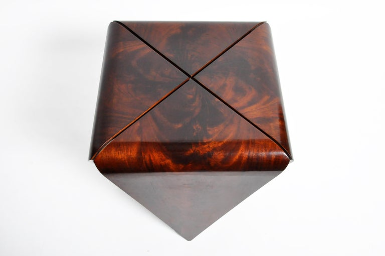 French Mahogany Veneer Side Table in the Style of Jorge Zalszupin For Sale 1