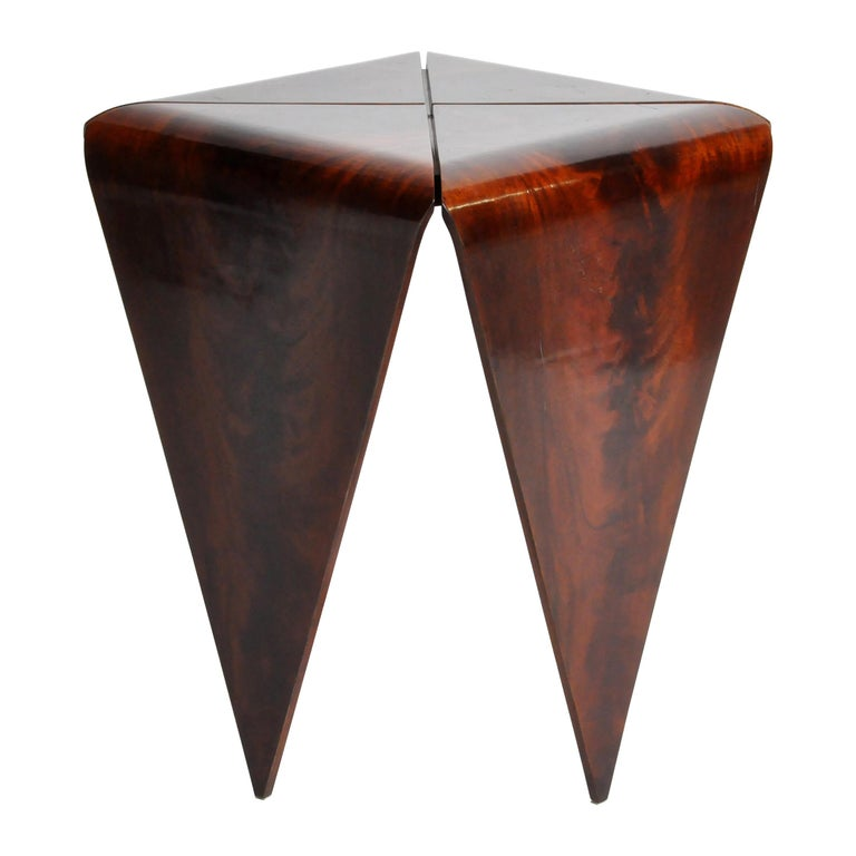 French Mahogany Veneer Side Table in the Style of Jorge Zalszupin For Sale