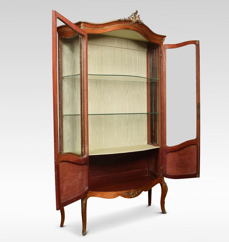 French Mahogany Vernis Martin Vitrine In Good Condition For Sale In Cheshire, GB