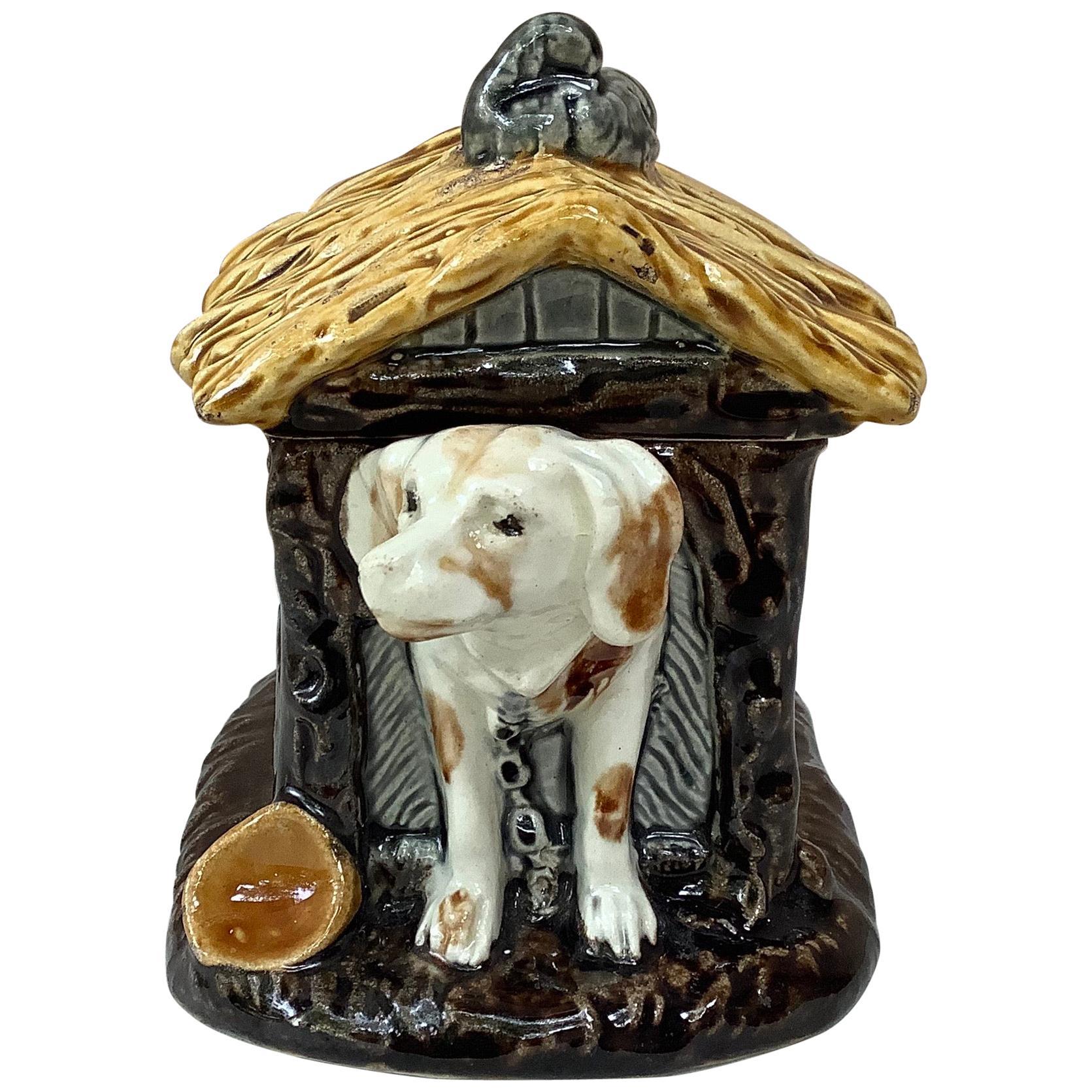 French Majolica Box Dog in a Kennel Choisy-le-Roi, circa 1880