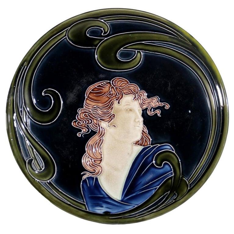 French Majolica Jugendstil Art Nouveau Ceramic Plate, circa 1900 For Sale