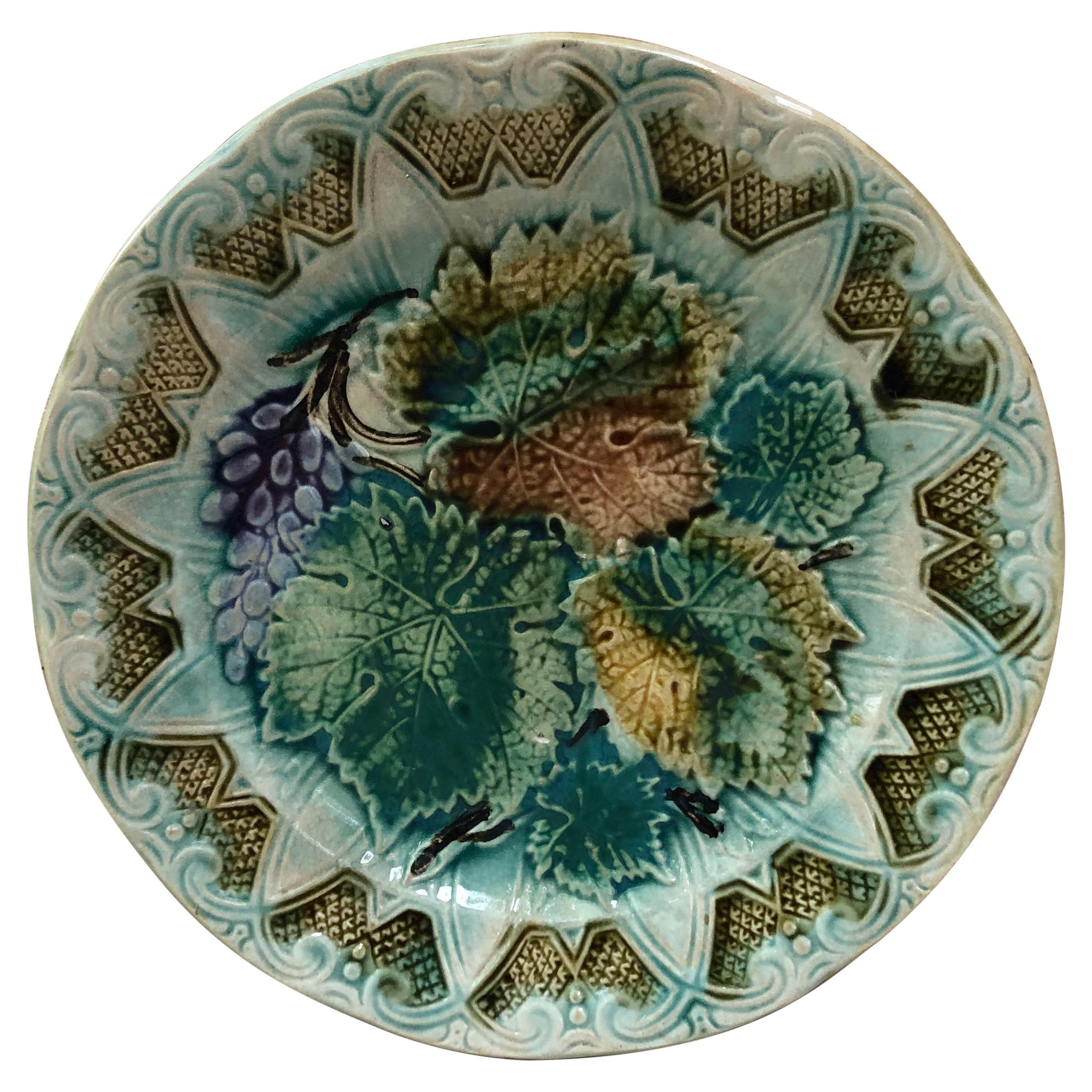 French Majolica Leaves & Grapes Plate Onnaing, circa 1900