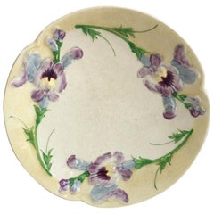 French Majolica Sweet Peas Plate Choisy le Roi, circa 1880