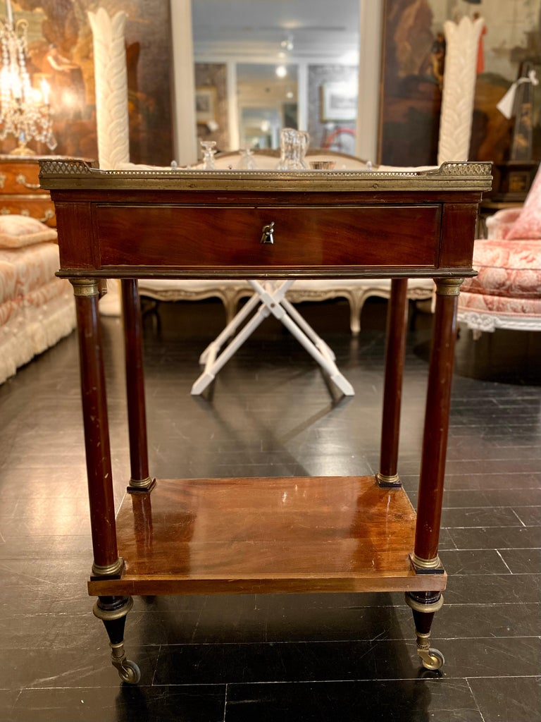 French Marble Top Writing Table, Tooled-Leather Writing Surface, on Casters In Good Condition For Sale In Montreal, Quebec