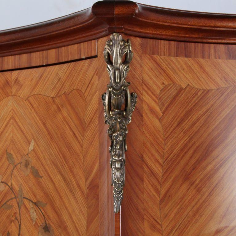 French Marquetry Bombe Armoire In Good Condition In Vancouver, British Columbia
