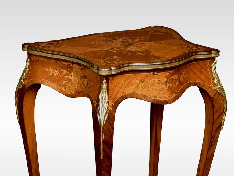 Walnut French marquetry Dressing Table For Sale