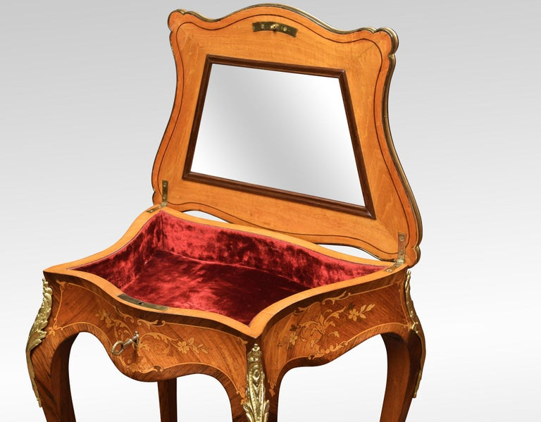 French marquetry Dressing Table For Sale 3
