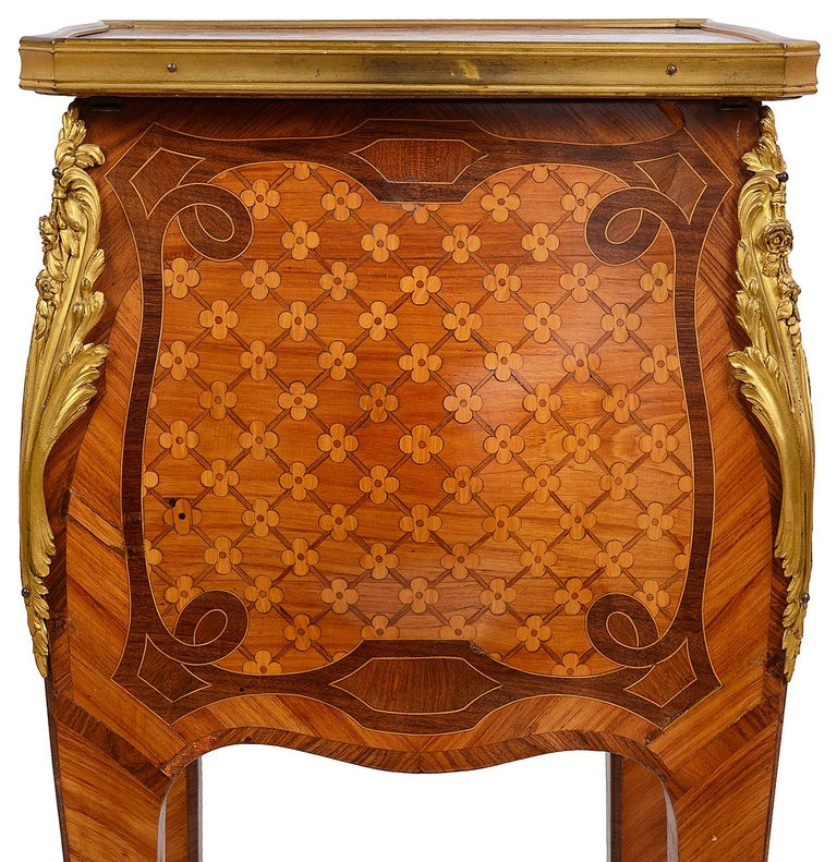 French Marquetry Side Table, circa Late 19th Century in the Style of Linke For Sale 1