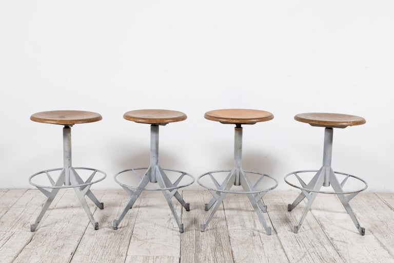 French Metal and Wood Industrial Swivel Stool In Good Condition For Sale In Los Angeles, CA