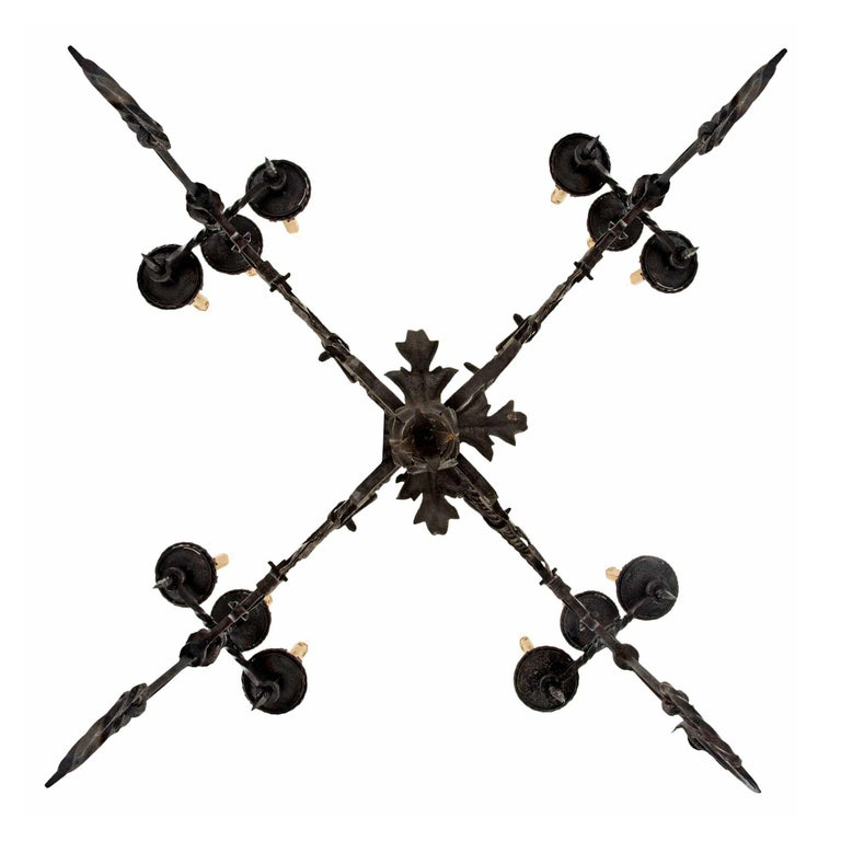 French Mid-19th Century Wrought Iron Twelve-Light Chandelier For Sale 4