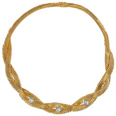 French Mid-20th Century Gold Wire Twist Necklace with Diamond Accents