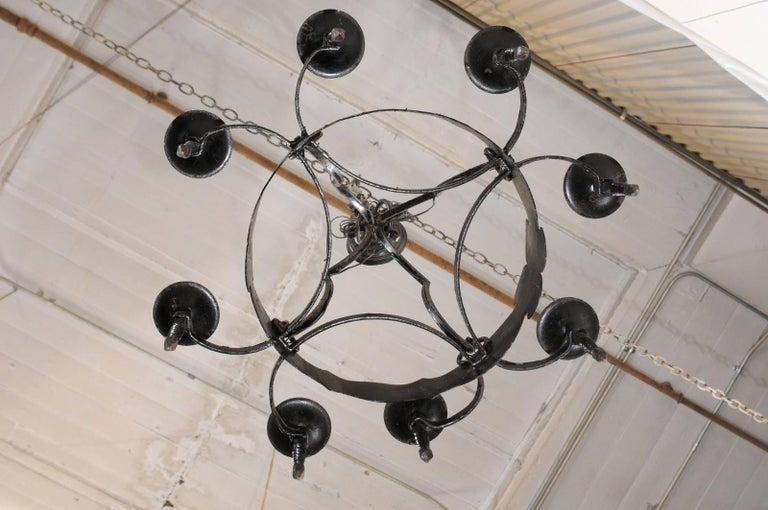 French Mid-20th Century Iron Ring Chandelier with Eight Torch-Shaped Lights For Sale 4
