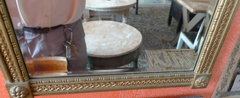 French Mid-20th Century Small Gold Painted Frame with Beveled Mirror Glass For Sale 4