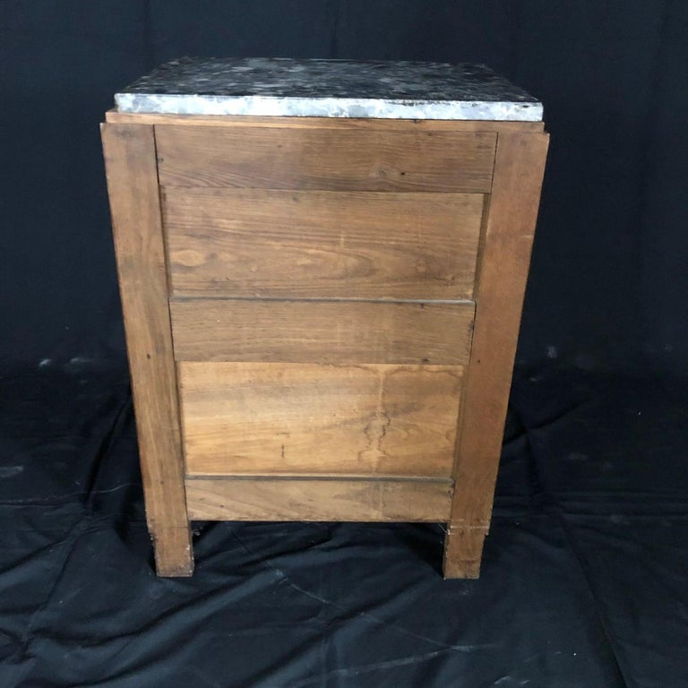 French Mid-Century Modern Art Deco Side Table or Nightstand For Sale 5