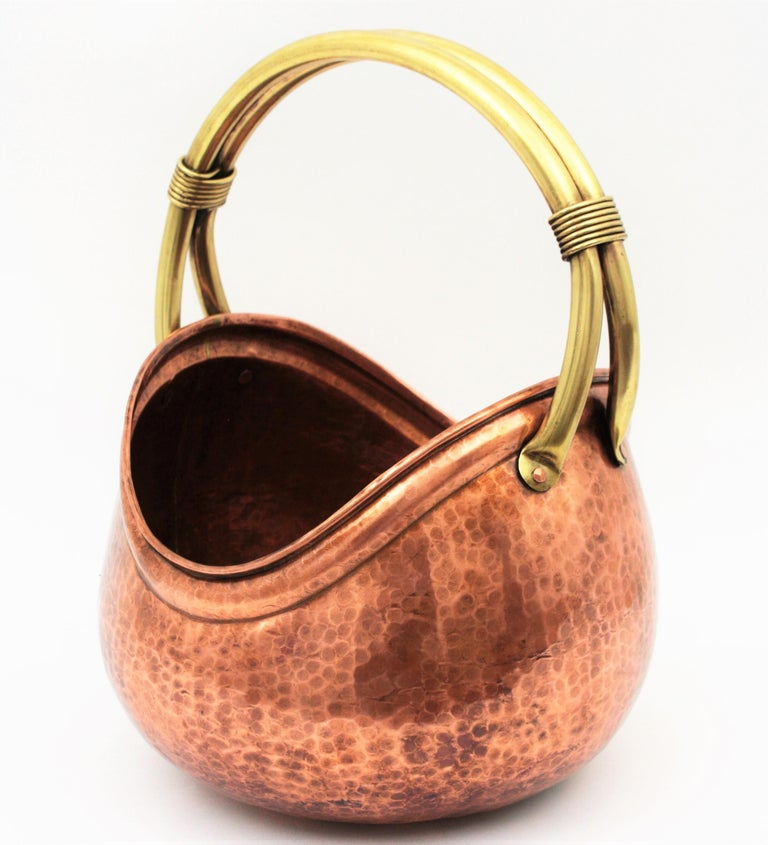 French Mid-Century Modern Copper and Brass Basket Log Holder with Rope Detail For Sale 7