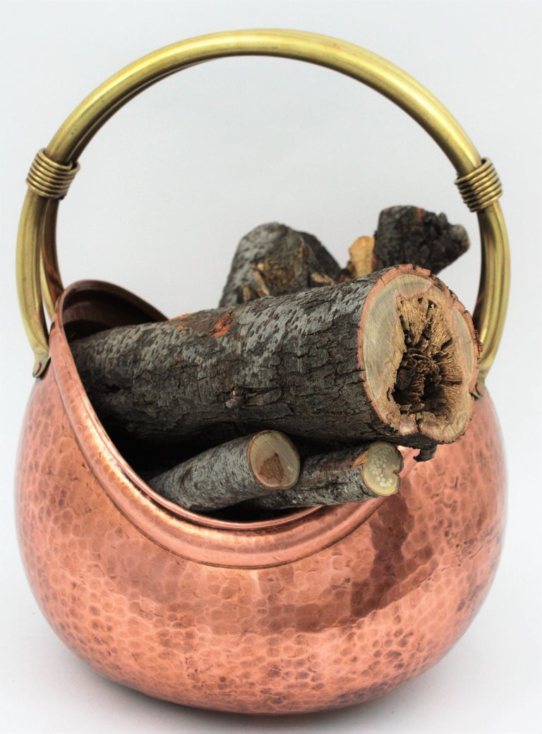 French Mid-Century Modern Copper and Brass Basket Log Holder with Rope Detail For Sale 9