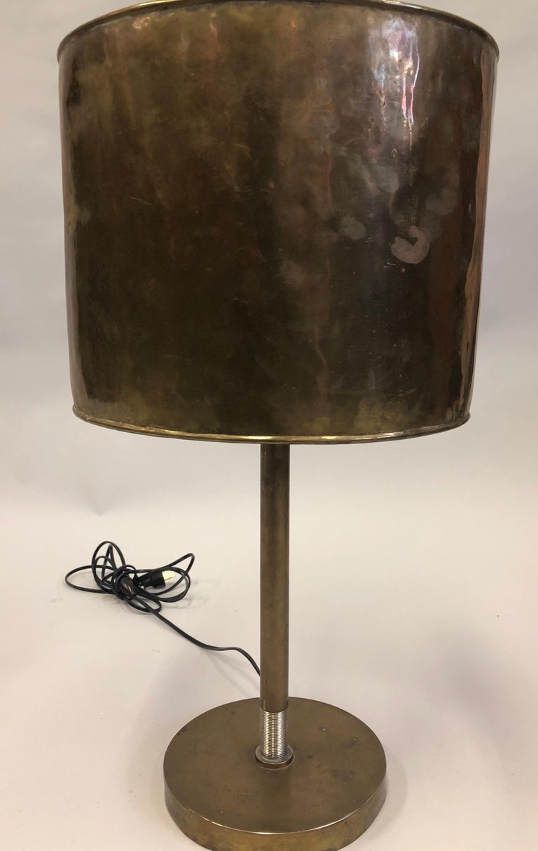 French Mid-Century Modern Marine Brass Table Lamp with Brass Shade In Good Condition For Sale In New York, NY