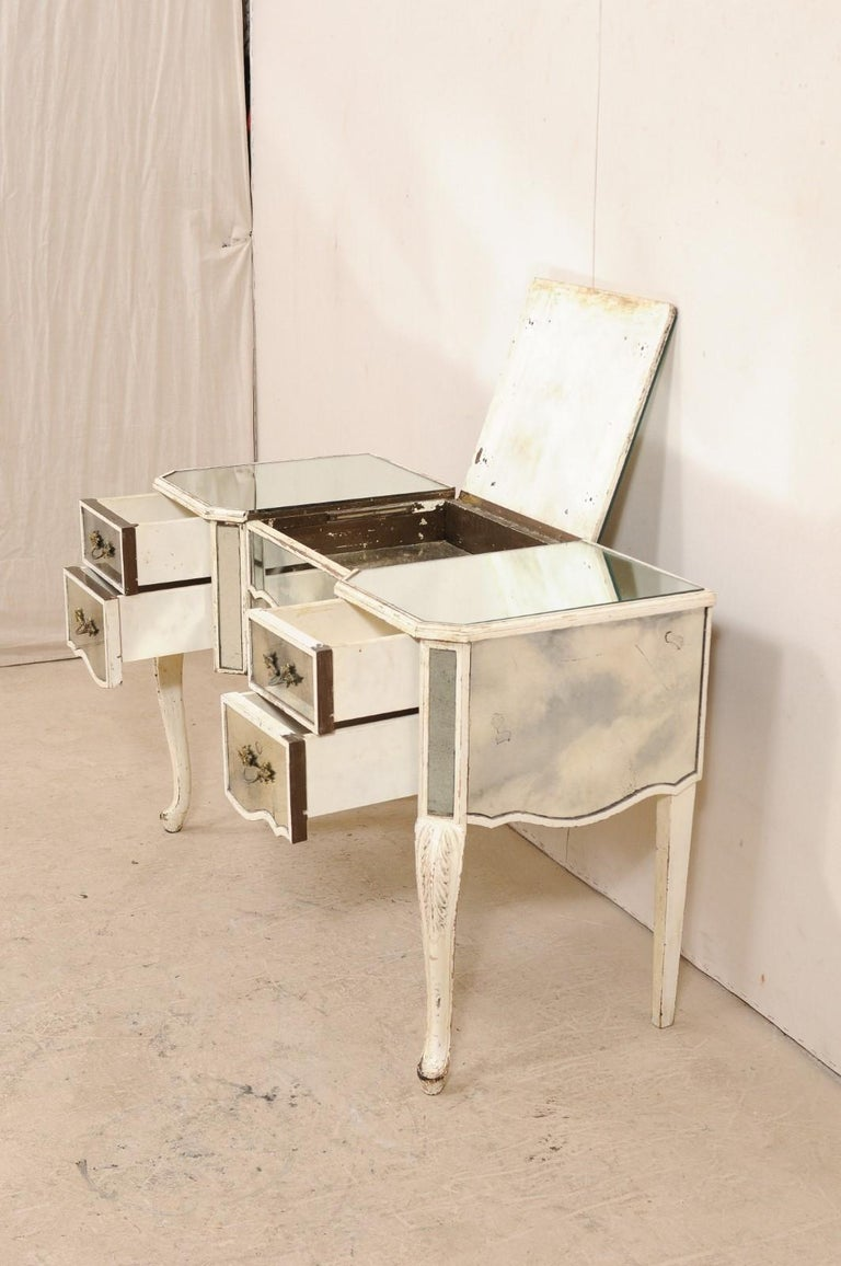 French Midcentury Mirrored Wood Dressing Table on Cabriole Legs In Good Condition For Sale In Atlanta, GA