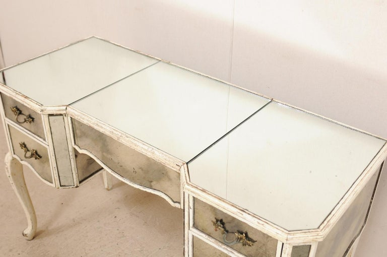 French Midcentury Mirrored Wood Dressing Table on Cabriole Legs For Sale 2