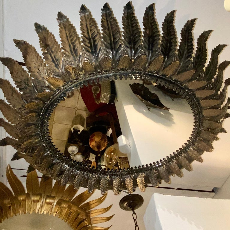 French Mirrored Sunburst Pendant Light Fixture In Good Condition For Sale In New York, NY