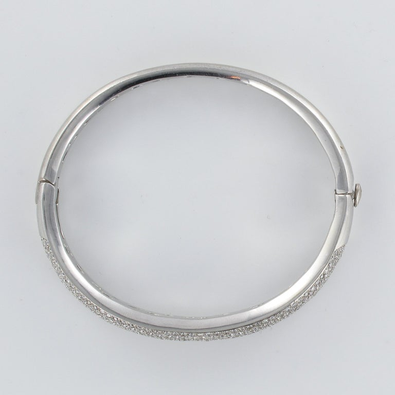 French Modern 3.58 Carat Diamond 18 Karat Gold Bangle Bracelet For Sale 9