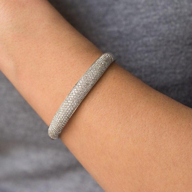Women's French Modern 3.58 Carat Diamond 18 Karat Gold Bangle Bracelet For Sale