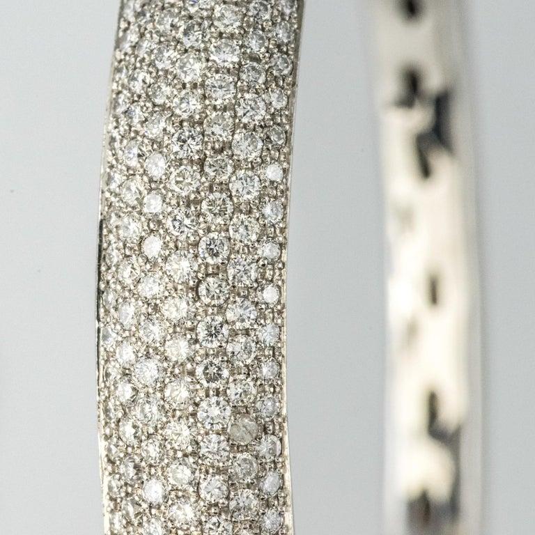 French Modern 3.58 Carat Diamond 18 Karat Gold Bangle Bracelet For Sale 1