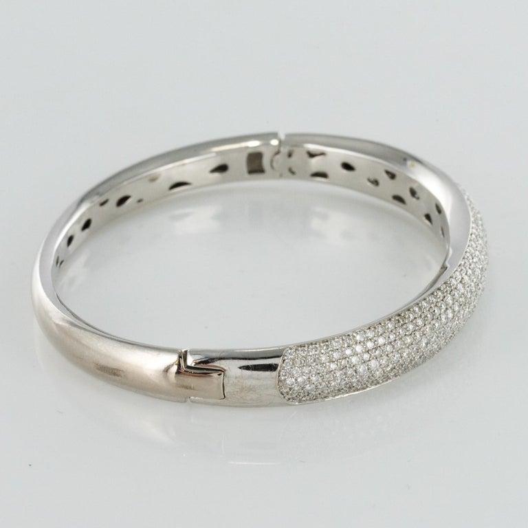 French Modern 3.58 Carat Diamond 18 Karat Gold Bangle Bracelet For Sale 3