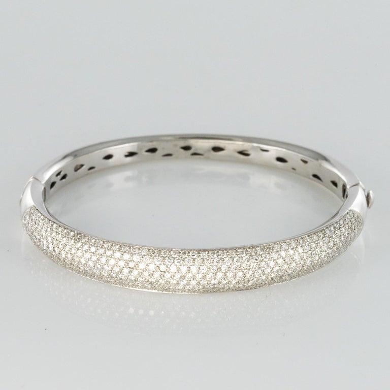 French Modern 3.58 Carat Diamond 18 Karat Gold Bangle Bracelet For Sale 5