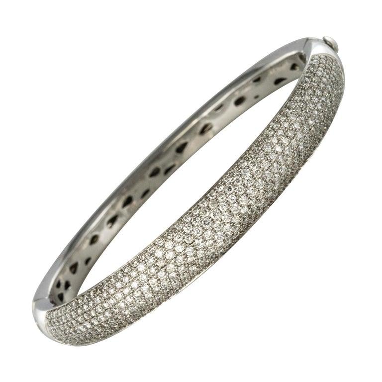 French Modern 3.58 Carat Diamond 18 Karat Gold Bangle Bracelet For Sale