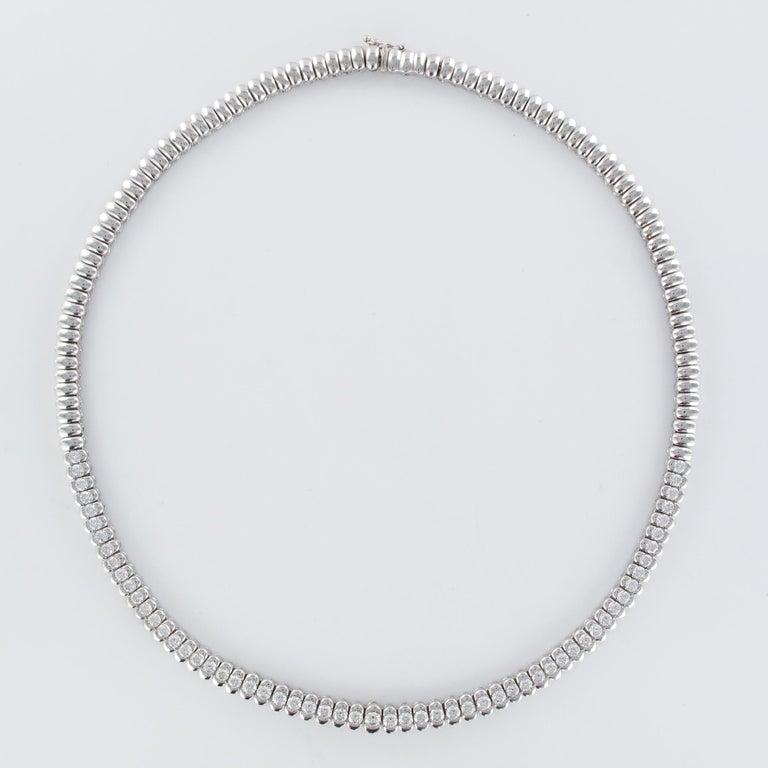 French Modern 4.72 Carat Diamond 18 Karat White Gold Necklace For Sale 3