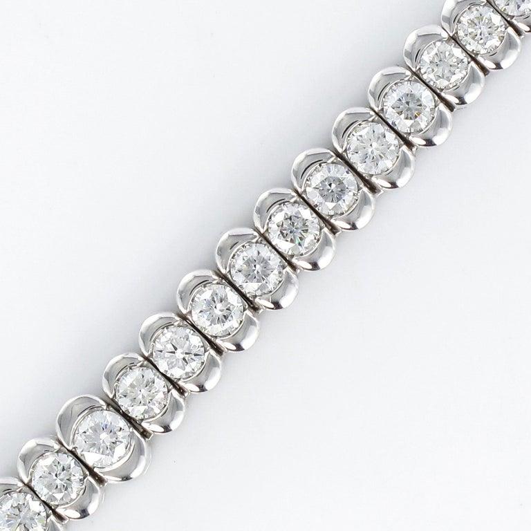 French Modern 4.72 Carat Diamond 18 Karat White Gold Necklace For Sale 4