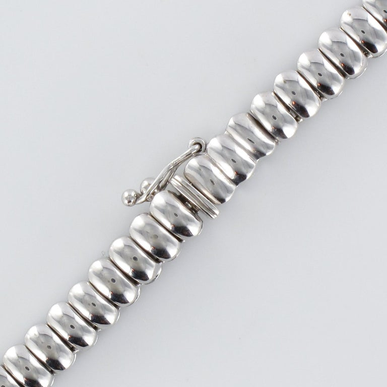 French Modern 4.72 Carat Diamond 18 Karat White Gold Necklace For Sale 5