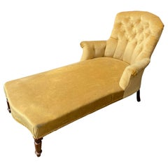 French Napoleon III Chaise Longue in Gold Velvet