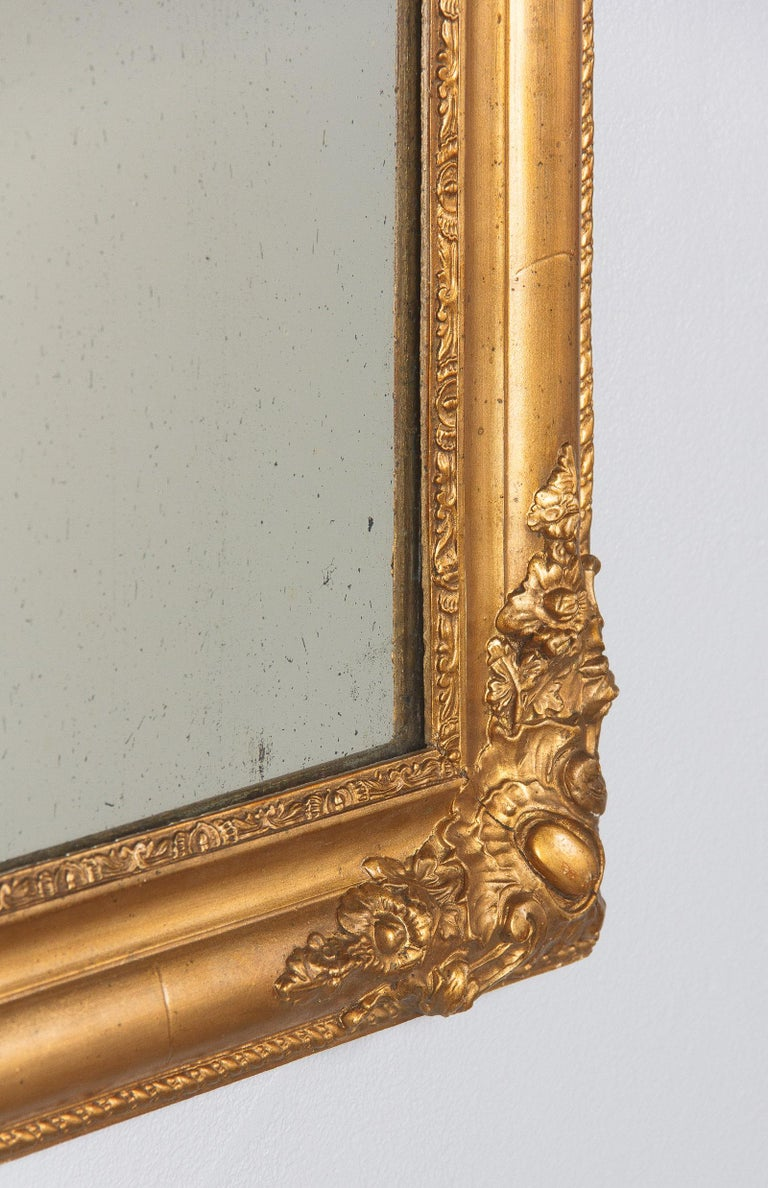 French Napoleon III Giltwood Mirror, circa 1870s For Sale 8