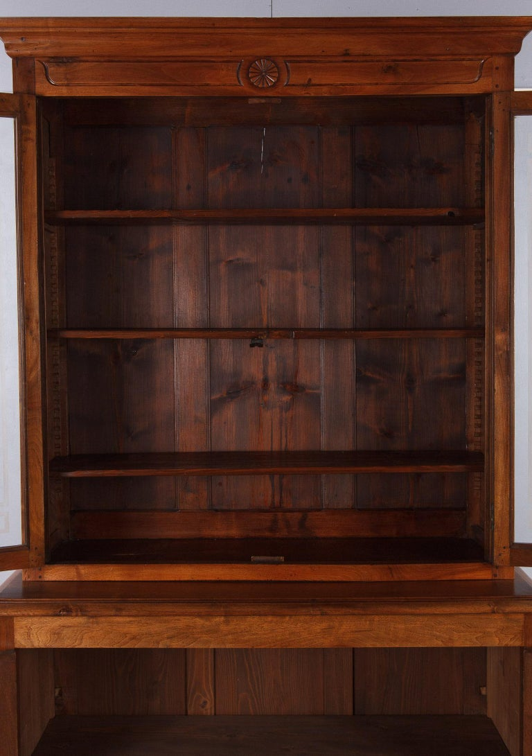 French Napoleon III Walnut Cabinet Bookcase, Late 1800s For Sale 7