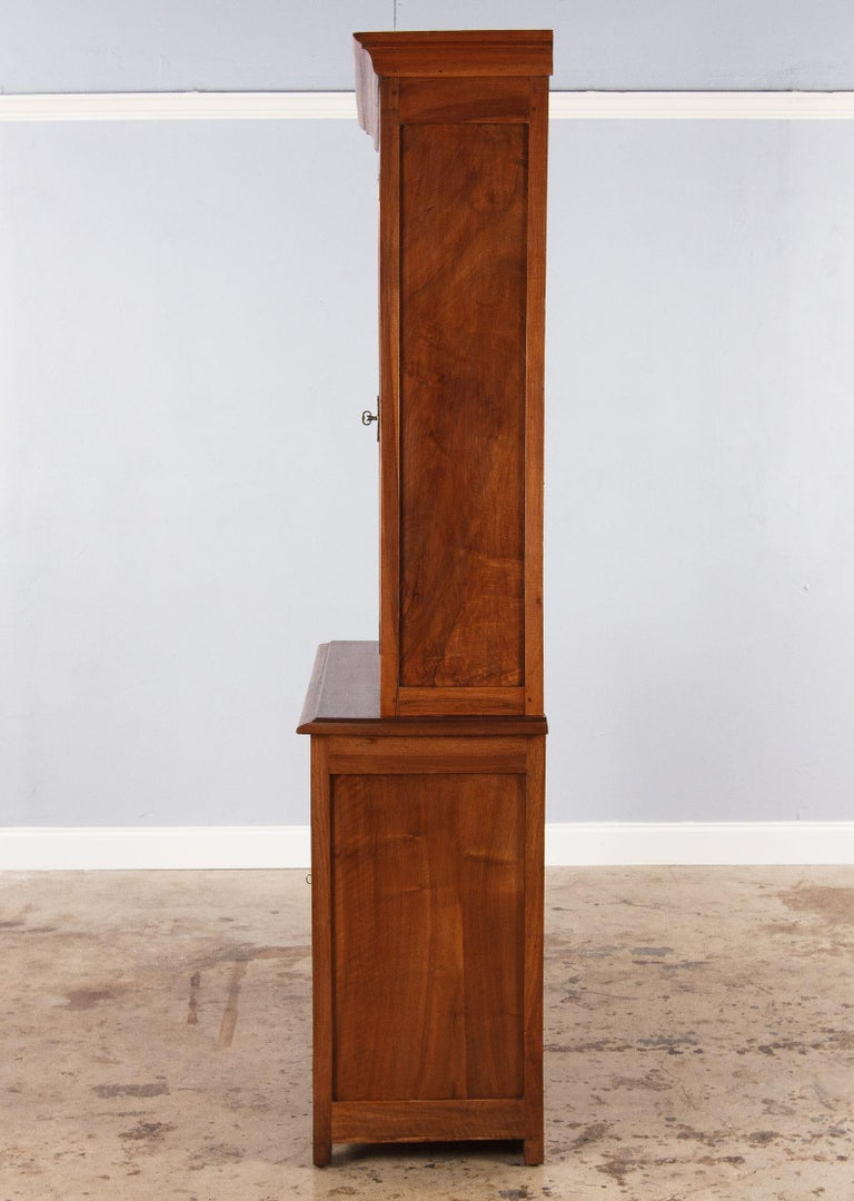 French Napoleon III Walnut Cabinet Bookcase, Late 1800s For Sale 11
