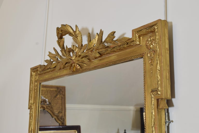 French Neoclassic Large Carved Giltwood and Gilt-Gesso Mirror, 3rdq 19th Cen. In Good Condition For Sale In Atlanta, GA