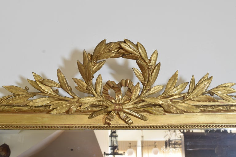 French Neoclassic Large Carved Giltwood and Gilt-Gesso Mirror, 3rdq 19th Cen. For Sale 1