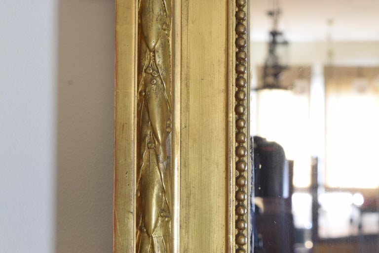 French Neoclassic Large Carved Giltwood and Gilt-Gesso Mirror, 3rdq 19th Cen. For Sale 3